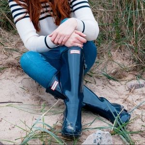 NWT Hunter Boots Tall Glossy Navy Blue Size 8